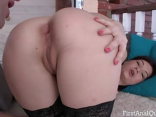 First Anal Fucking for an Inexperienced Teen Virgin