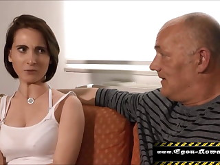 Daughter wants to get pregnant