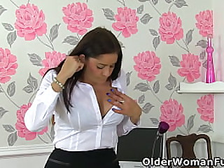 UK mature Leia Organa lifts up her skirt and lets you have a good look at her craving pussy (now available in Full HD 1080P). Bonus video: UK milf Caz.